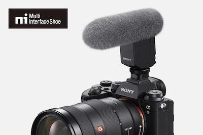 Compatibilitate cu noul microfon multifuncțional