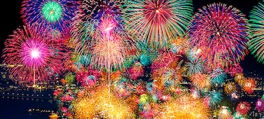 Fireworks, demonstrating extreme contrast and realistic depth